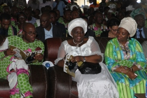 rt-hon-chibuike-rotimi-amaechi-and-his-wife-judith-right-with-wife-of-late-chief-gu-ake-middle-at-the-funeral-of-the-deceased-on-friday