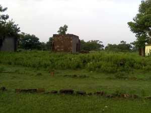Abandoned 2 classroom block of Ahman Patigi